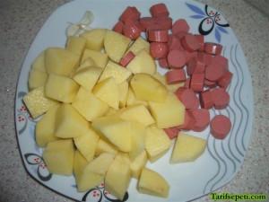 sosisli-patates-yemegi-tarifi-4