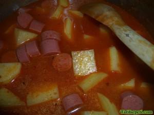 sosisli-patates-yemegi-tarifi-6