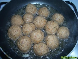 firinda-sehriyeli-besamel-soslu-kofte-tarifi-7