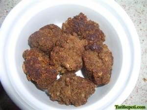 firinda-sehriyeli-besamel-soslu-kofte-tarifi-9