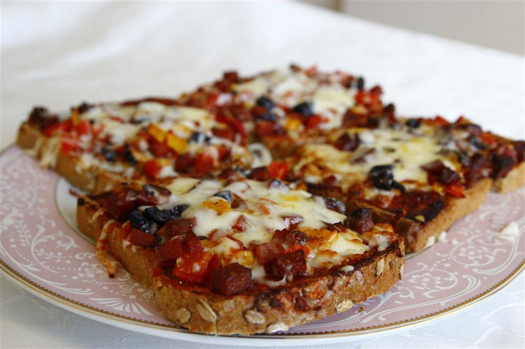 kahvaltilik-pizzalar-tarifi-1