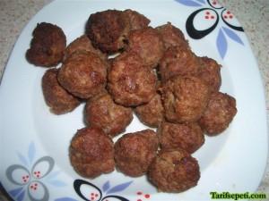 kofteli-hunkar-begendi-tarifi-3-kofteler