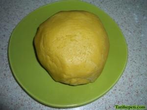 korili-kurabiye-bretzel-tarifi-2