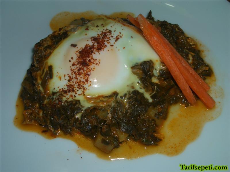 yumurtali-ispanak-yemegi-tarifi-1
