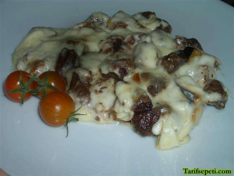besamel-soslu-patlicanli-et-tarifi-6