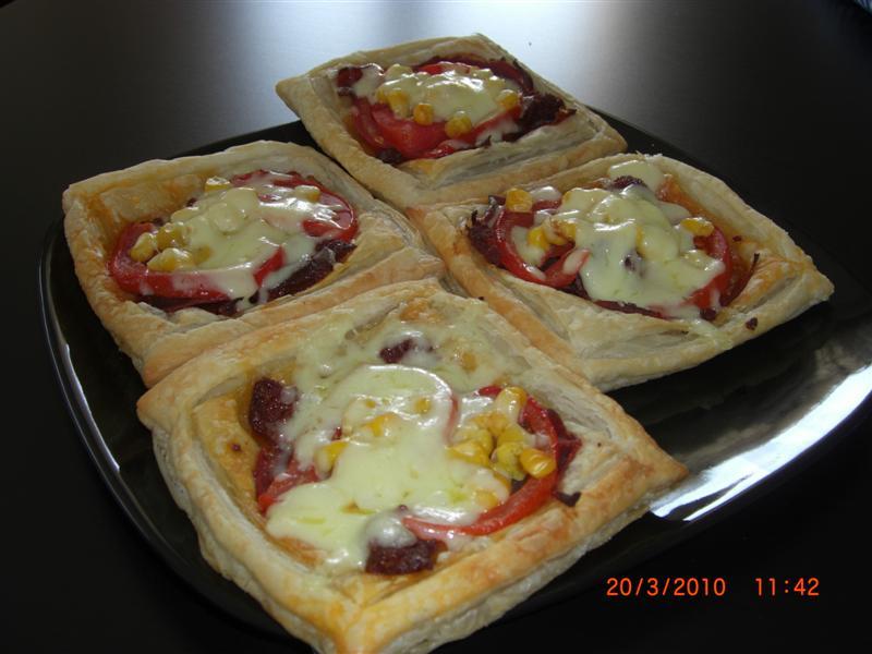 pastirmali-milfoy-pizzalari-tarifi-1