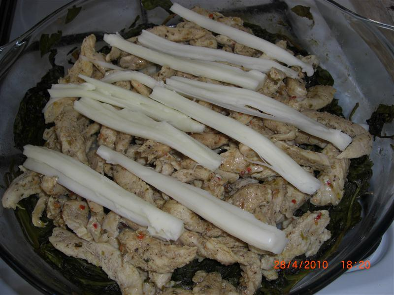 ispanak-yataginda-mozzarellalı-tavuk-tarifi-4