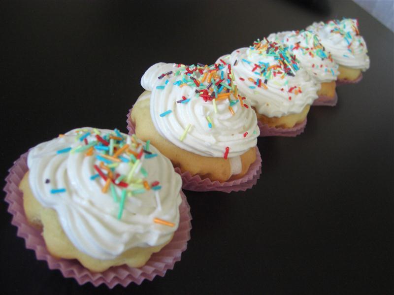 vanilla-kremali-cupcake-tarifi-1