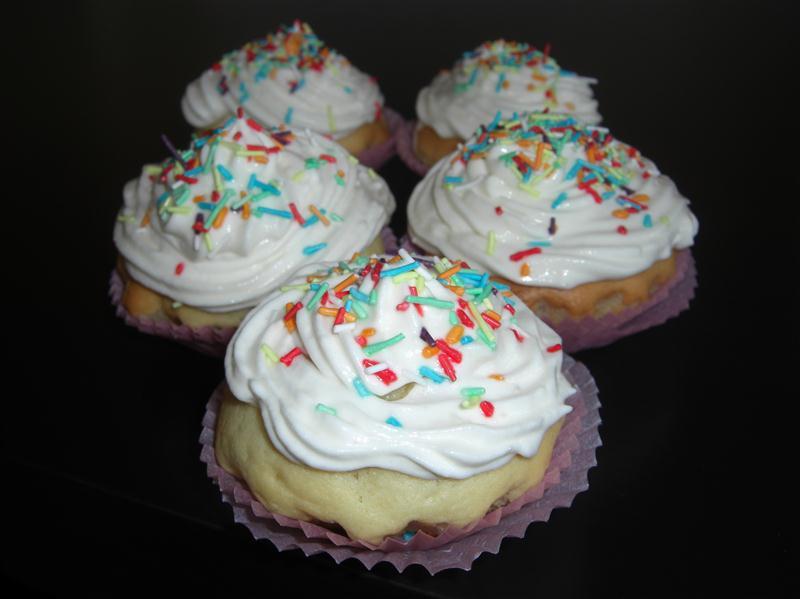vanilla-kremali-cupcake-tarifi-2