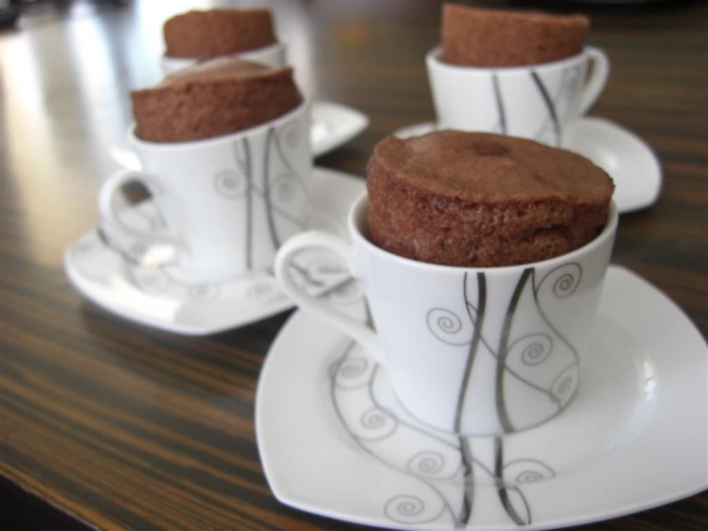 fincanda-kek-tarifi-tencereyle-1