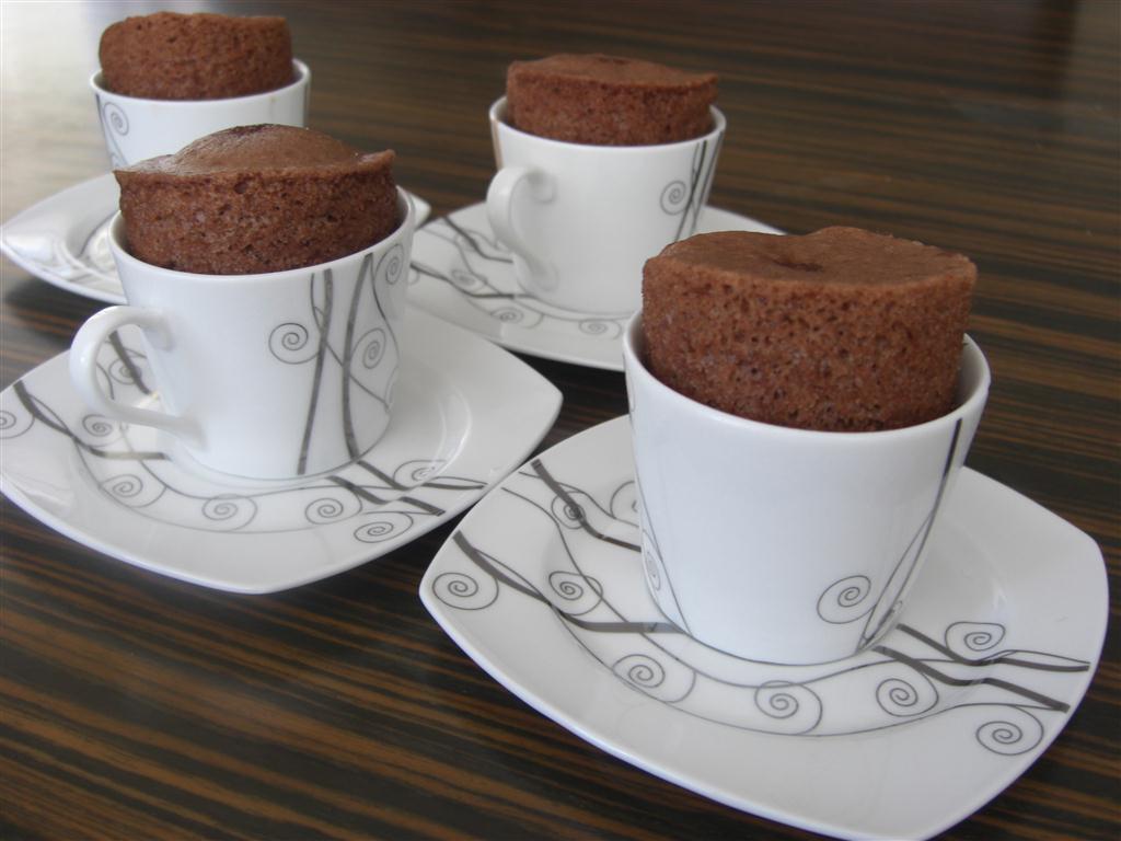 fincanda-kek-tarifi-tencereyle-4