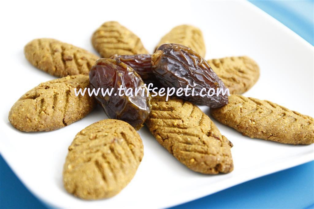 sekersiz-kurabiye-tarifi-hurmali-kurabiye