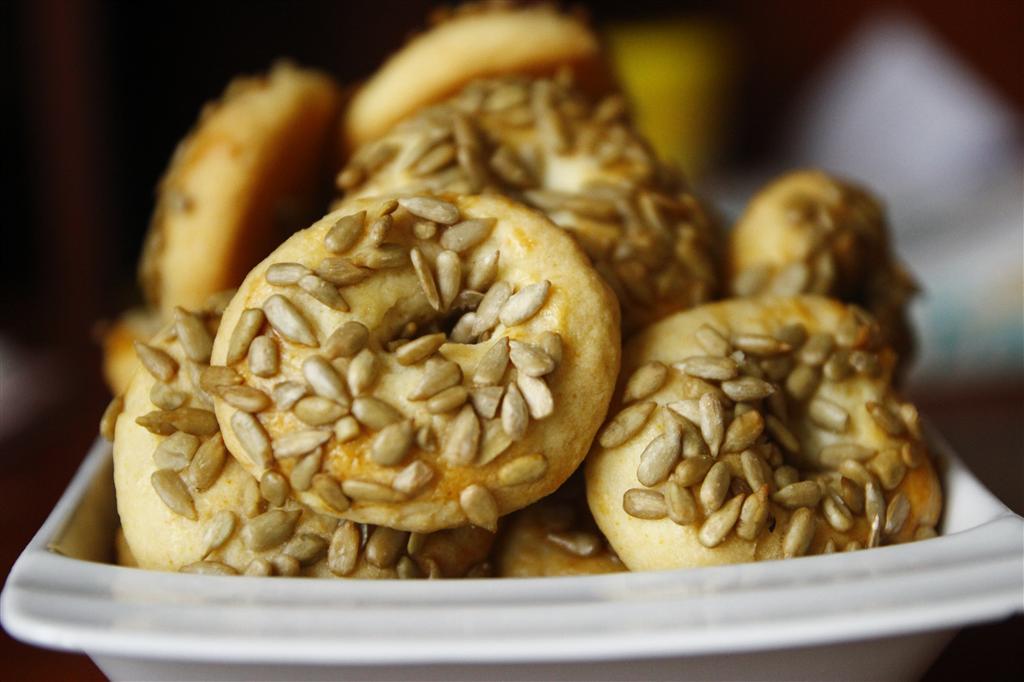 cekirdekli-mahlepli-kurabiye-tarifi