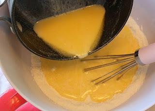 kremali-cilekli-muffin-tarifi-6