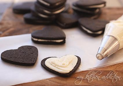 ev-yapimi-kakaolu-kreamali-biskuvi-oreo-negro-tarifi-2