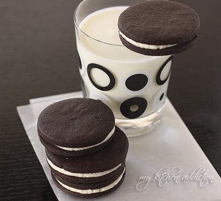 ev-yapimi-kakaolu-kreamali-biskuvi-oreo-negro-tarifi-3