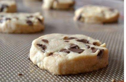 cikolata-parcali-un-kurabiyesi-tarifi-4