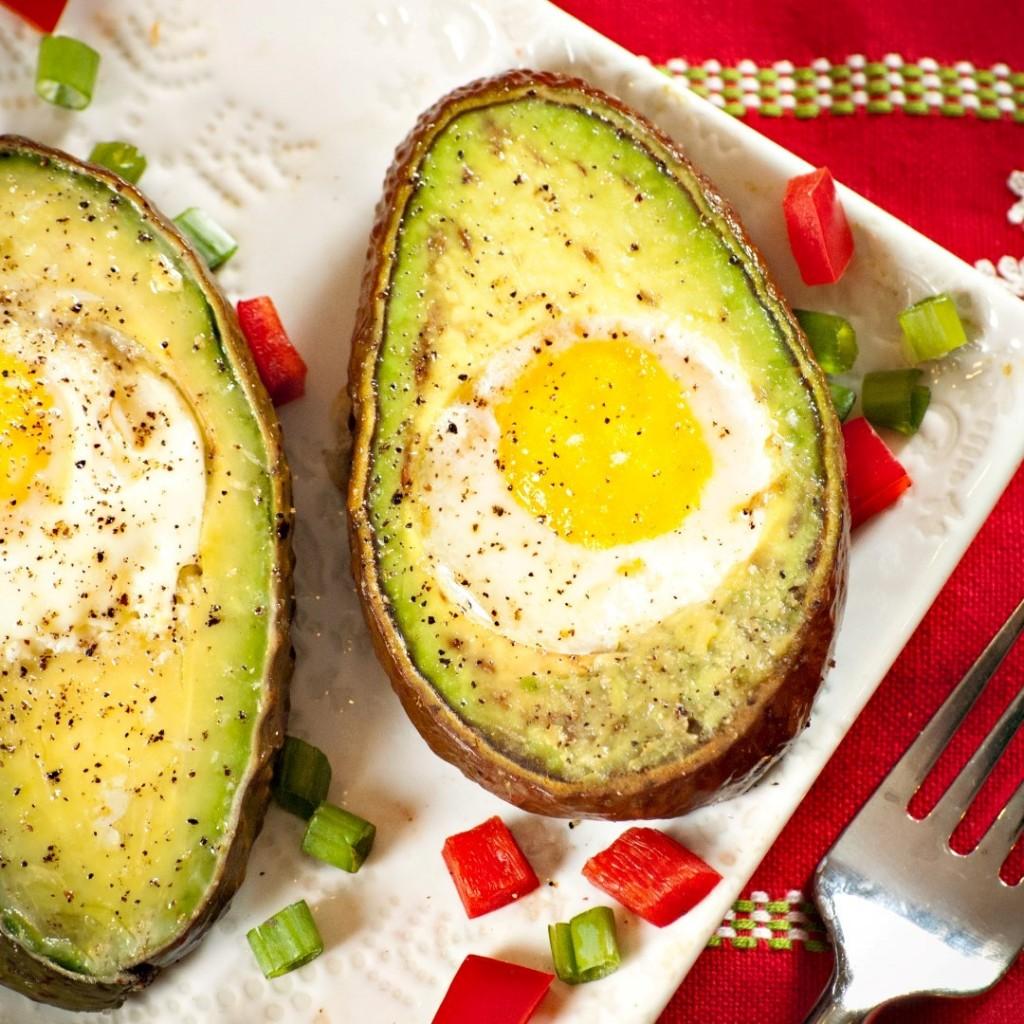 firinda-yumurtali-avocado