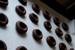 cikolata_dolgulu_kurabiye_thumbprint_cookie_2